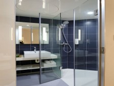 Design and Installation of Glass & Mirrors